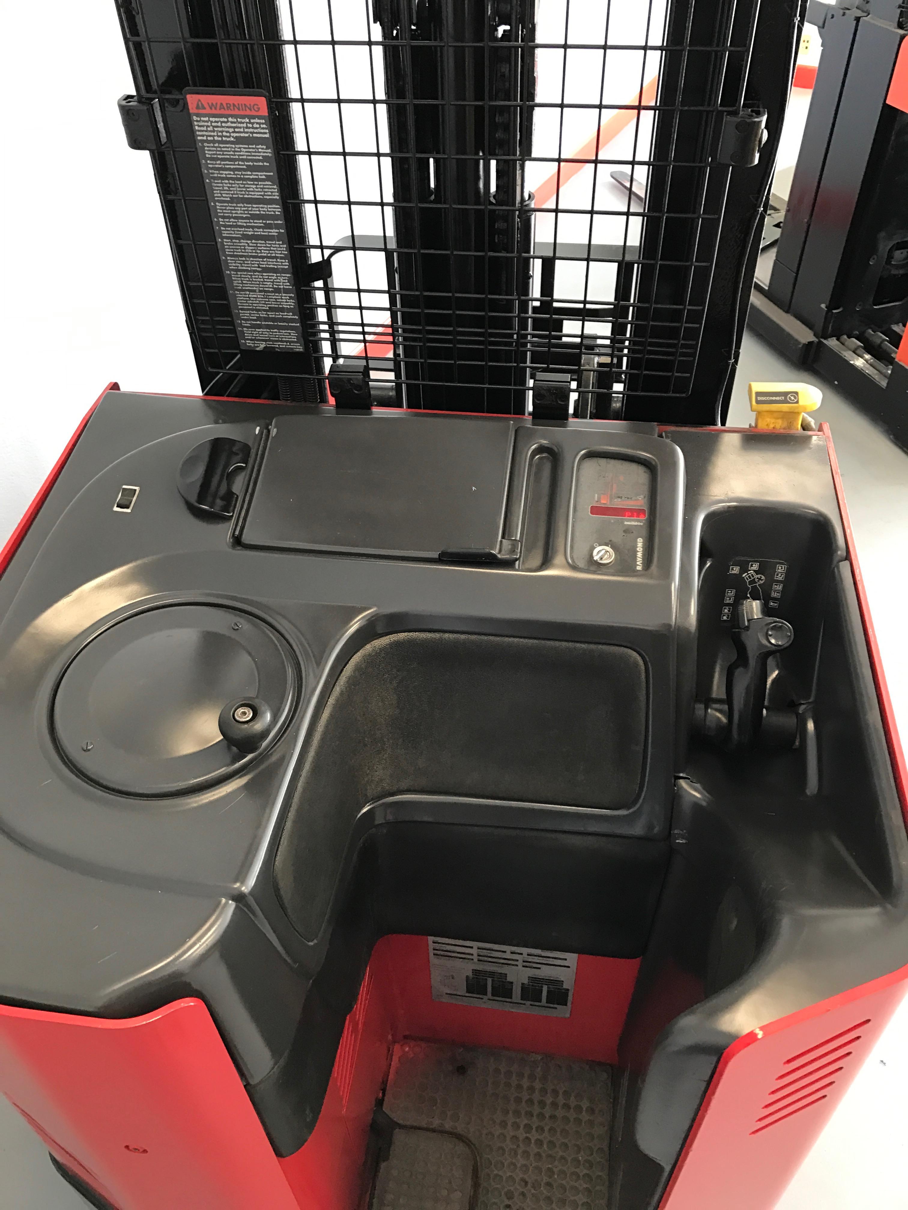 CES #20538 2006 Raymond EASI R40TT Reach Forklift ...