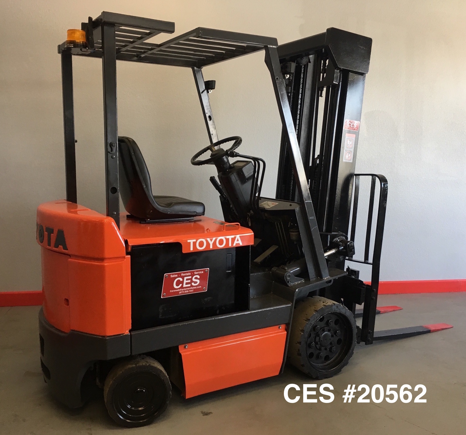 Ces 20562 toyota 5 000 lbs electric forklift coronado for Motorized pallet jack rental
