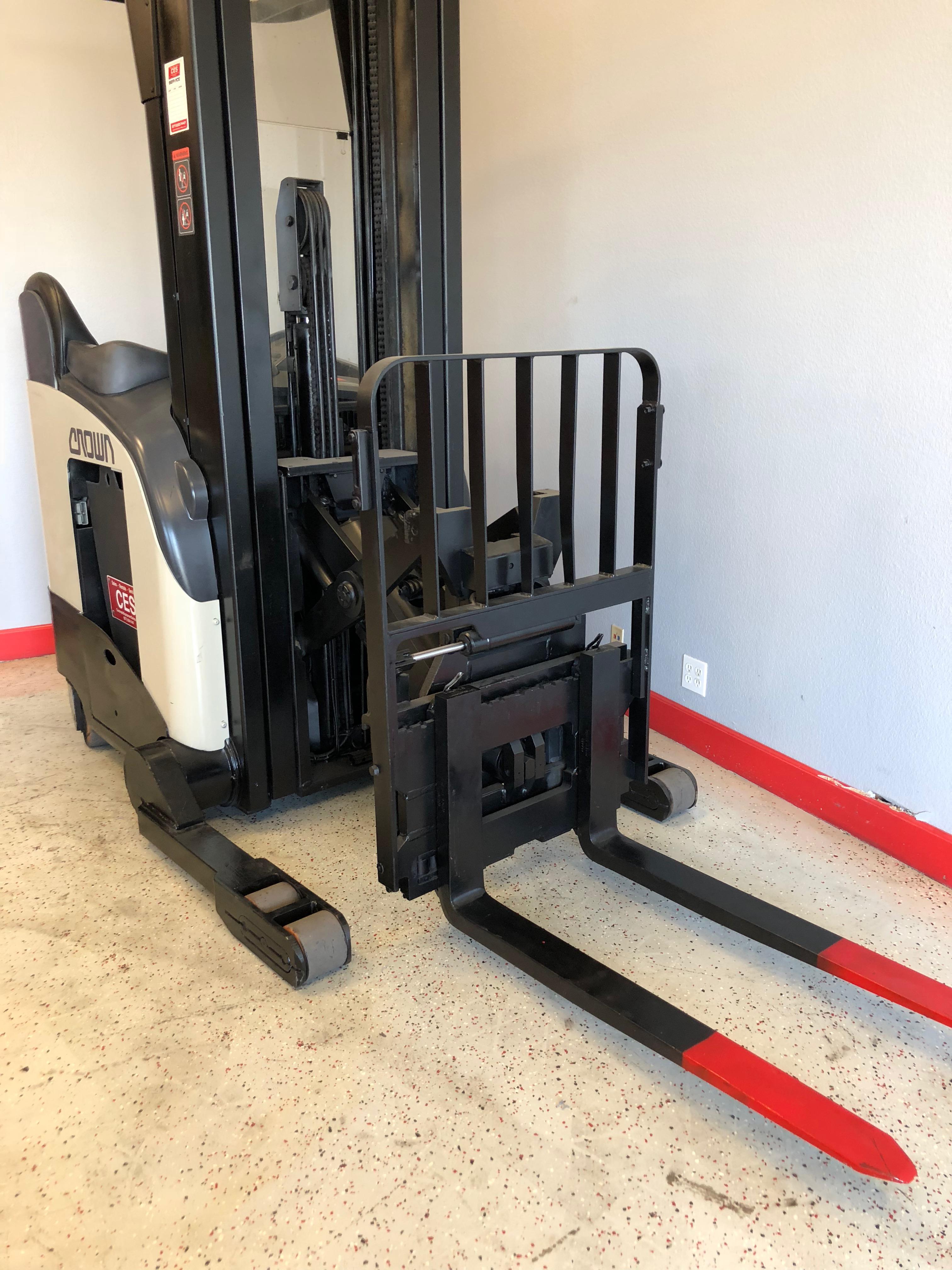 Ces 20618 Crown Rr5020 45 Reach Forklift 240 Quot