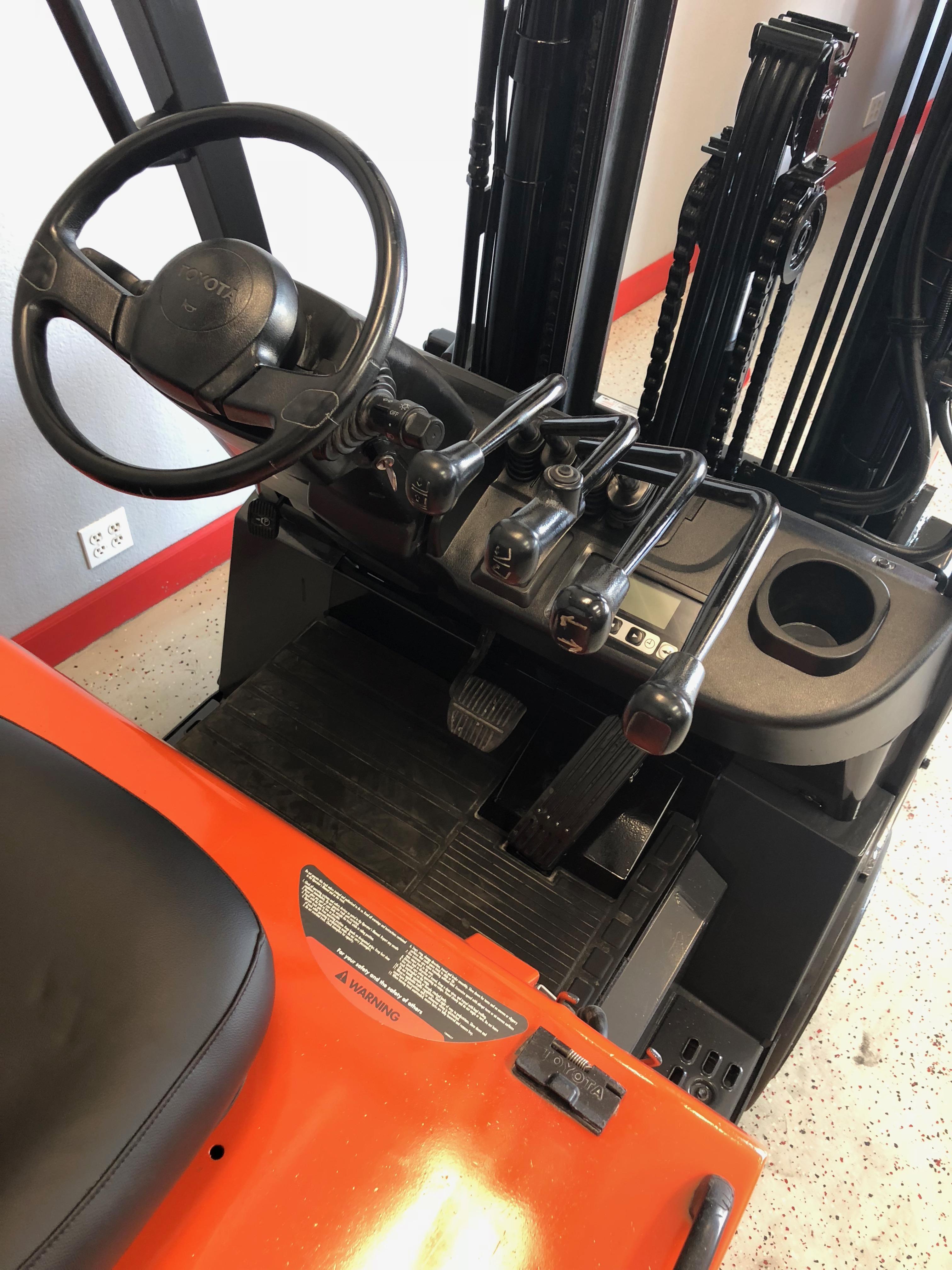 Sit Down Fork Lift Controls : Ces toyota fbcu electric forklift coronado