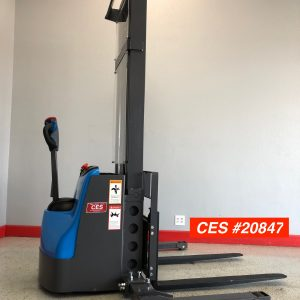 used electric stacker forklift