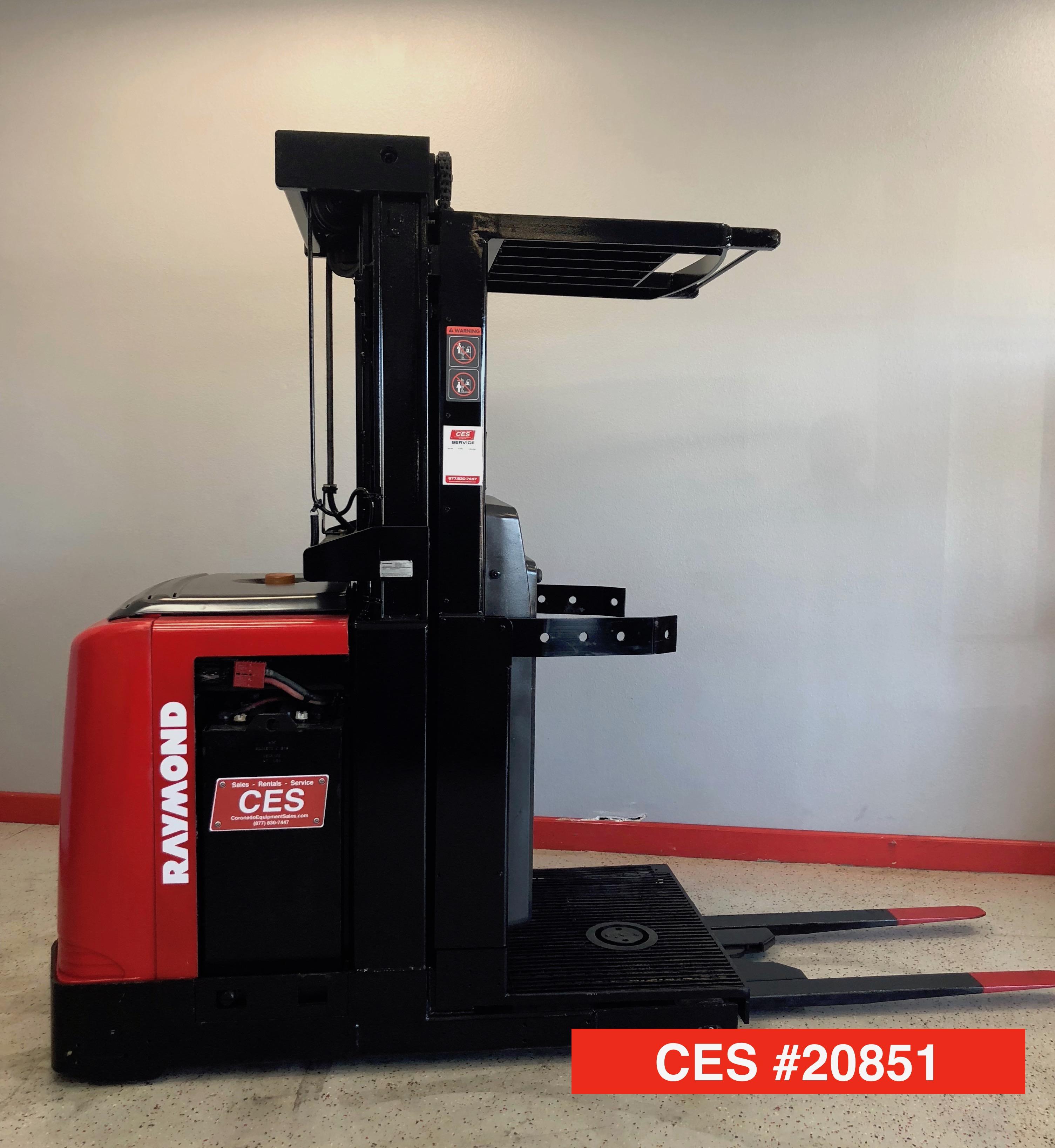 CES #20851 Raymond 520-OPC30TT Order Picker