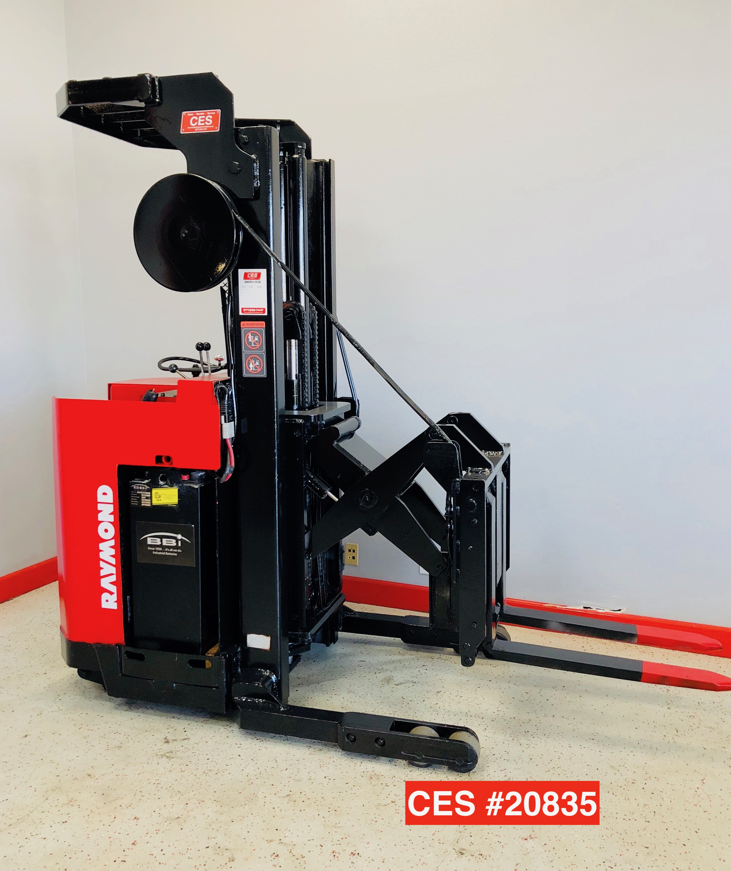 Ces 20835 Raymond Stand Up Reach Electric Forklift