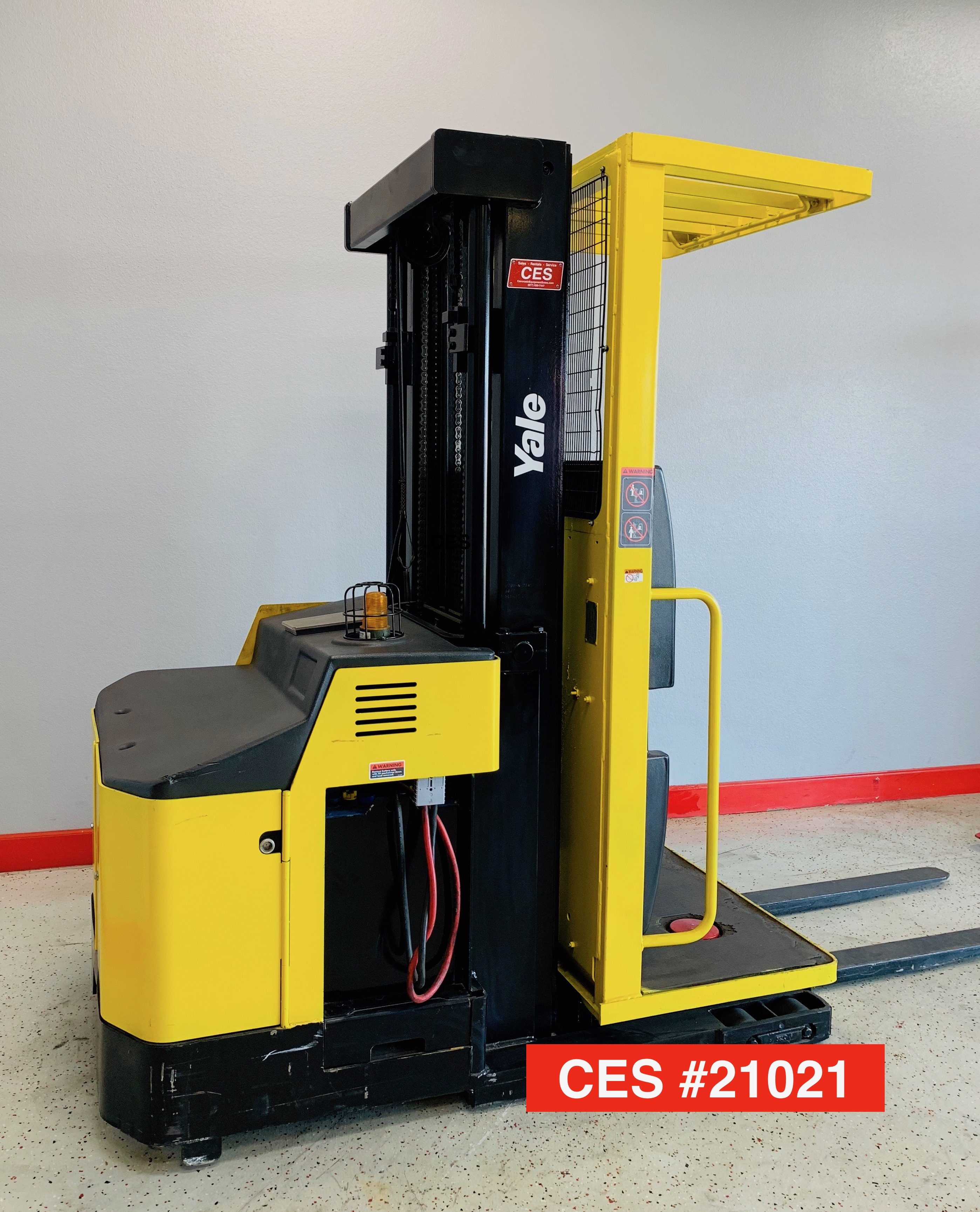 CES #21021 Yale OSO030 Order Picker