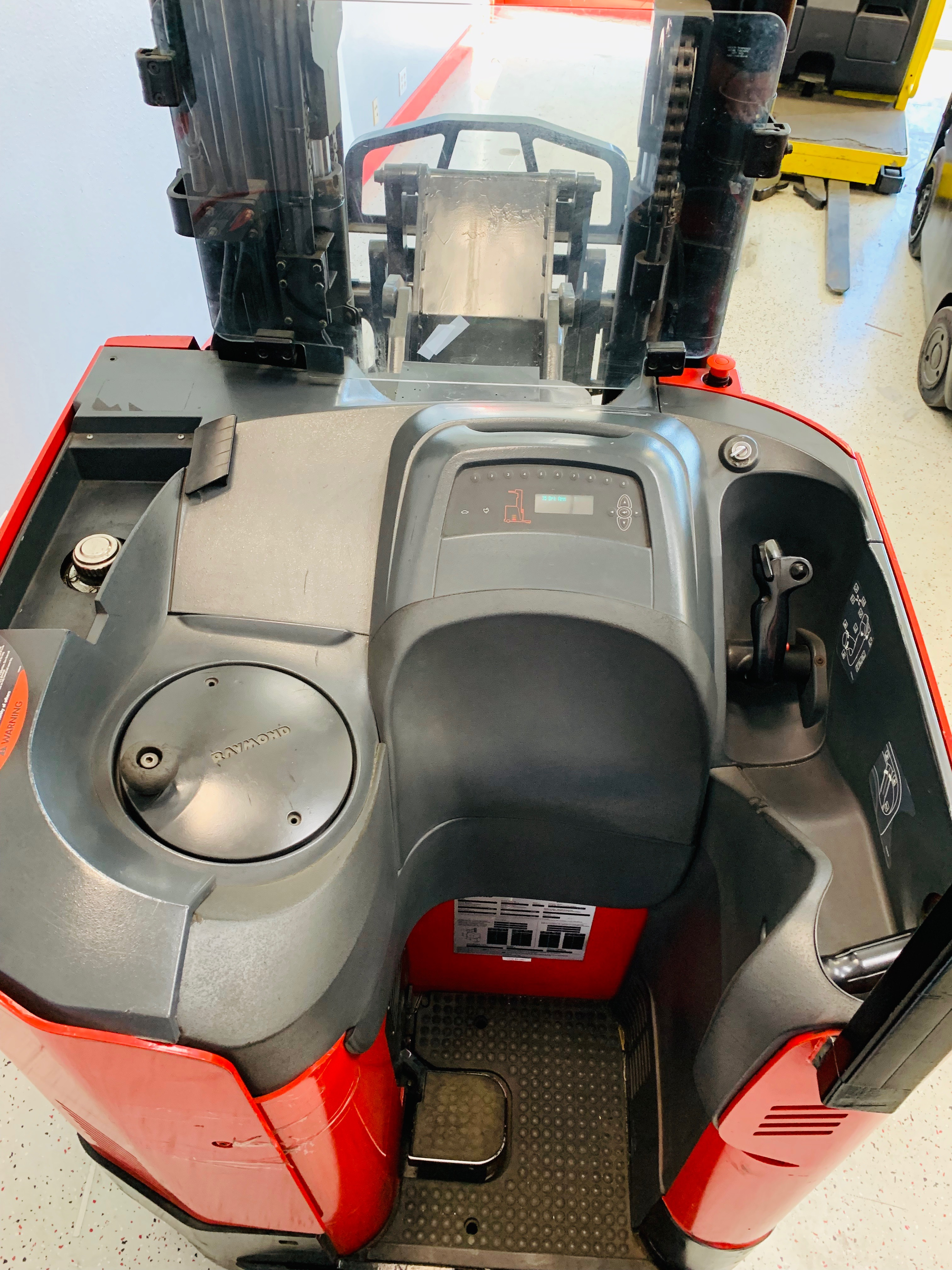 Reconditioned Forklifts Ces 21061 Raymond 740 Dr32tt