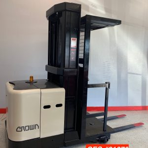 This used Crown order picker forklift has been professional reconditioned and offers the power and performance you depend on.