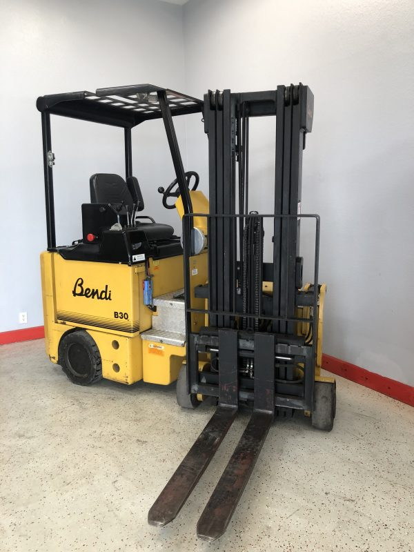 Bendi Turrett used electric forklift