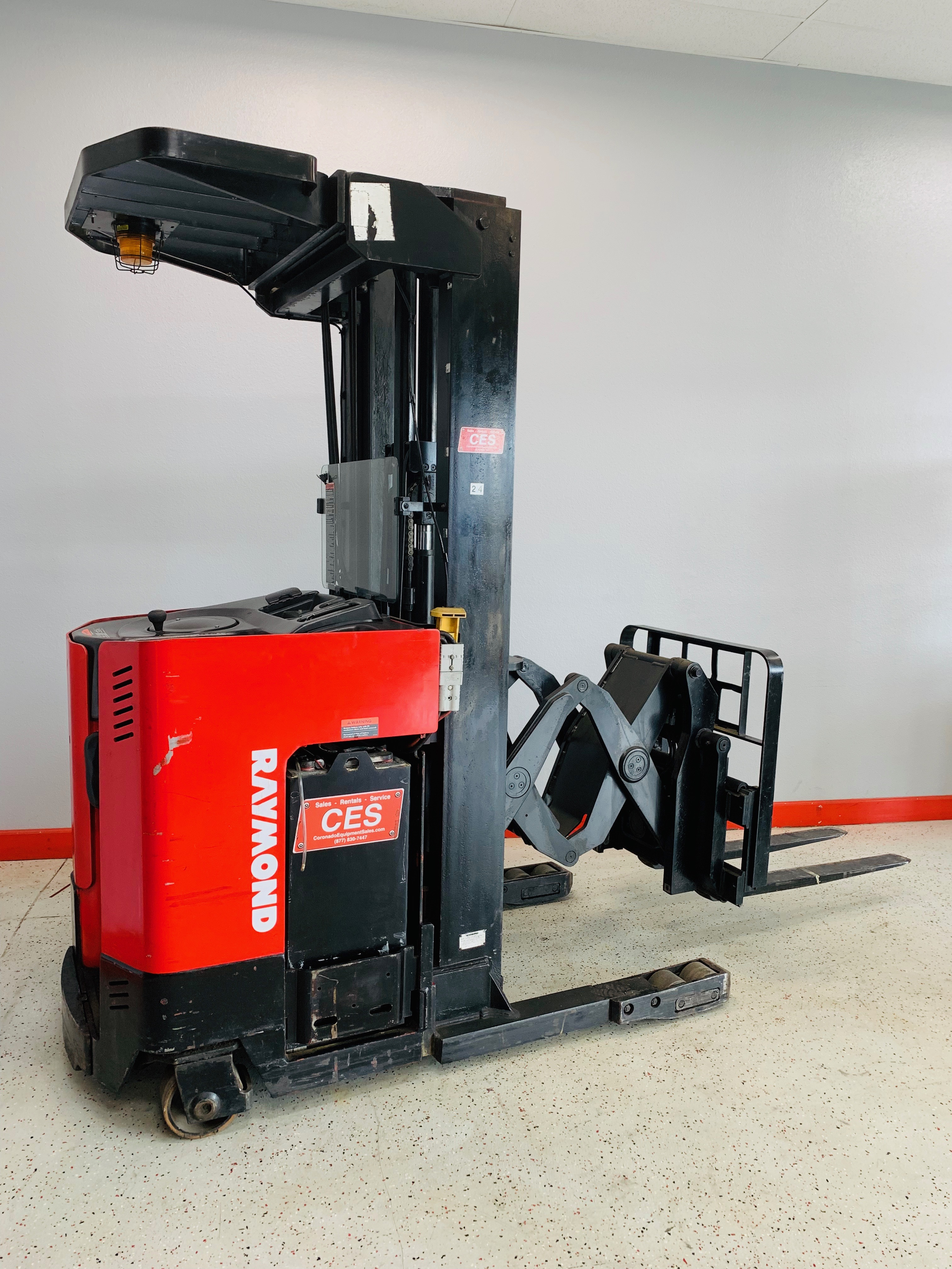 Ces 21096 Raymond Easi Dr25tt Deep Reach Forklift