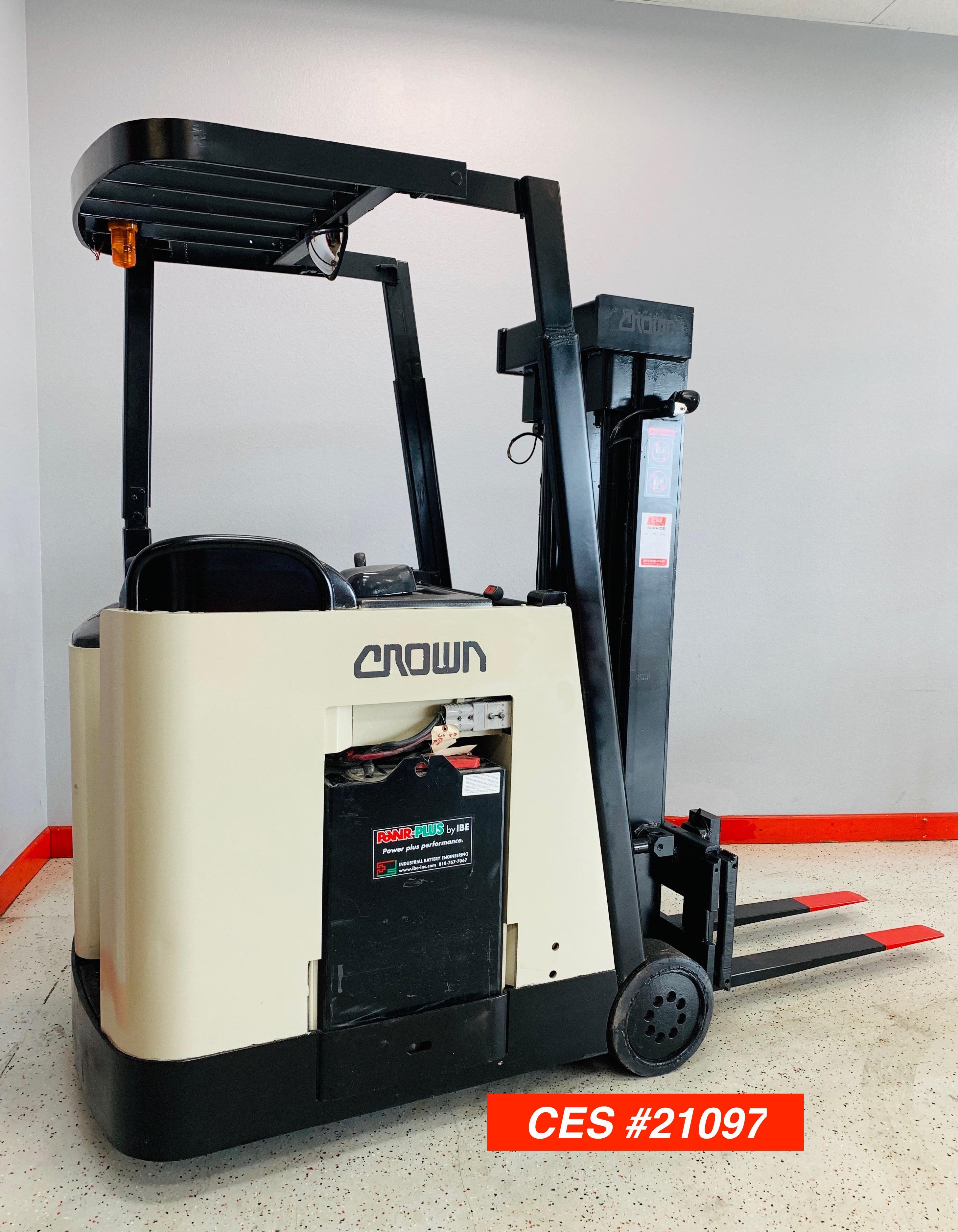 CES #21097 Crown RC3020-30 Docker Forklift