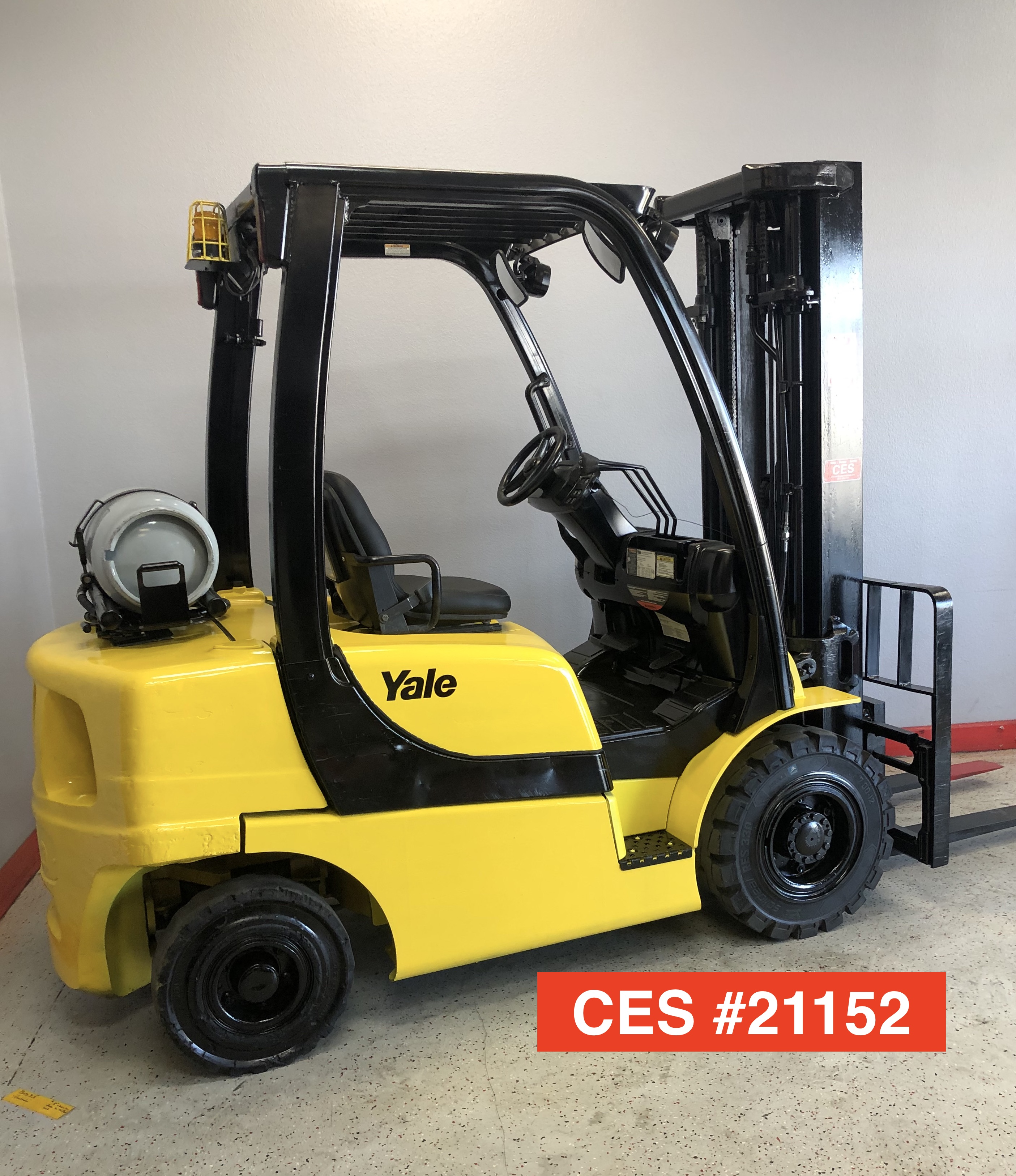 CES #21152 Yale Pneumatic Propane Forklift GLP050