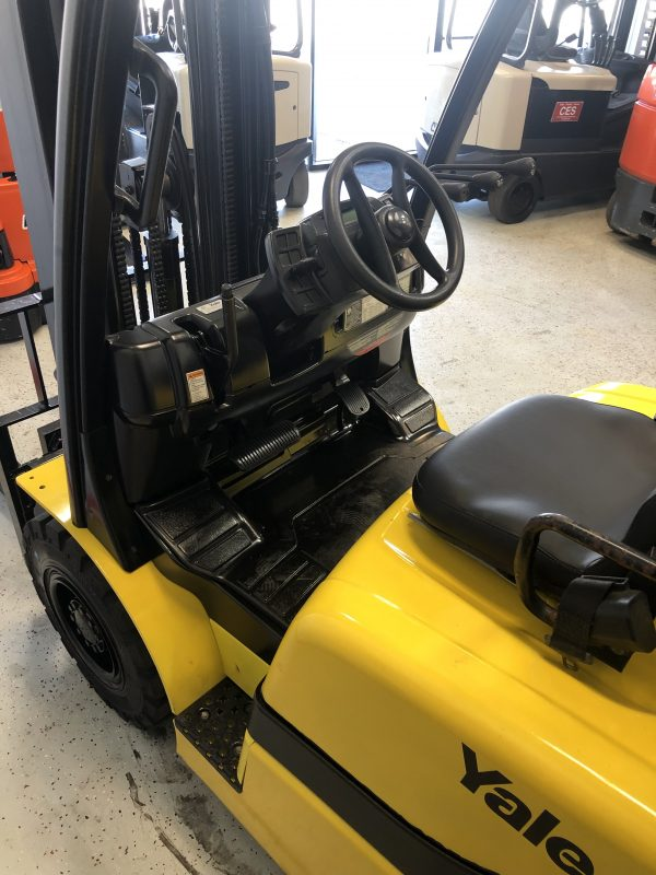 Reconditioned Pneumatic Forklift